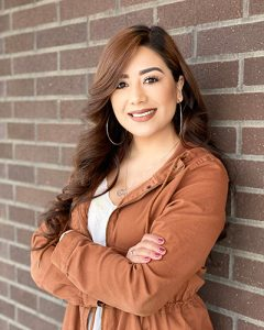 Estefani Cruz headshot